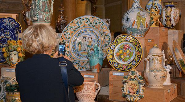 (Hrvatski) Otvorene izložbe keramike