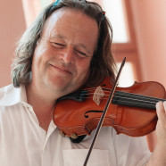 Koncert Gernota Sϋβmutha na Kresnikovoj violini